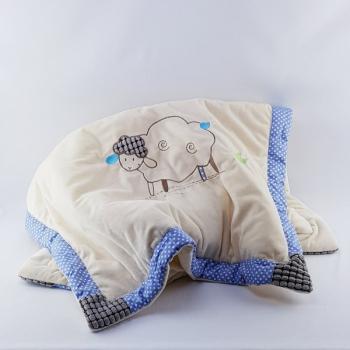 Decke Schäfchen hellblau